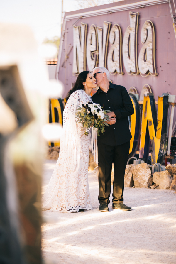 Neon Museum Elopement | Pure Light Creative | K+B-13.jpg