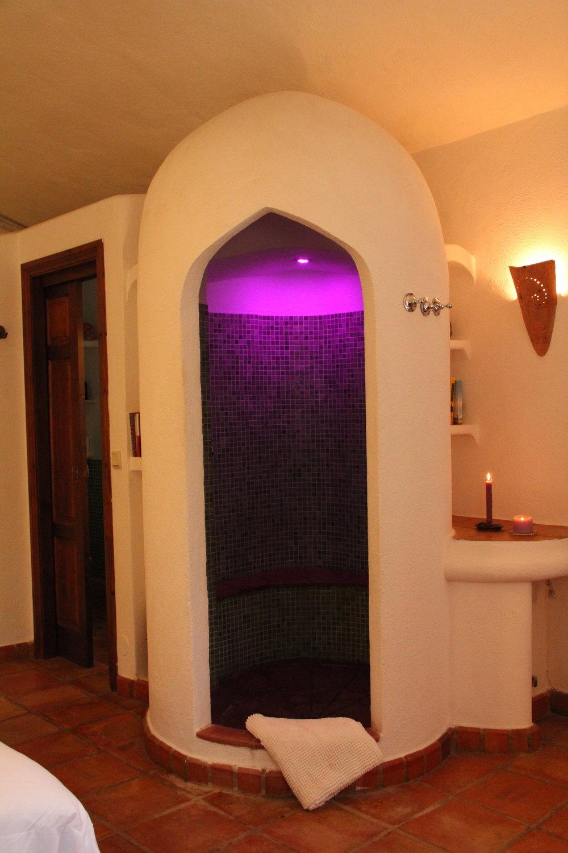 En suite bathroom 5 at luxury villa rental in Ronda, Andalucia, Spain