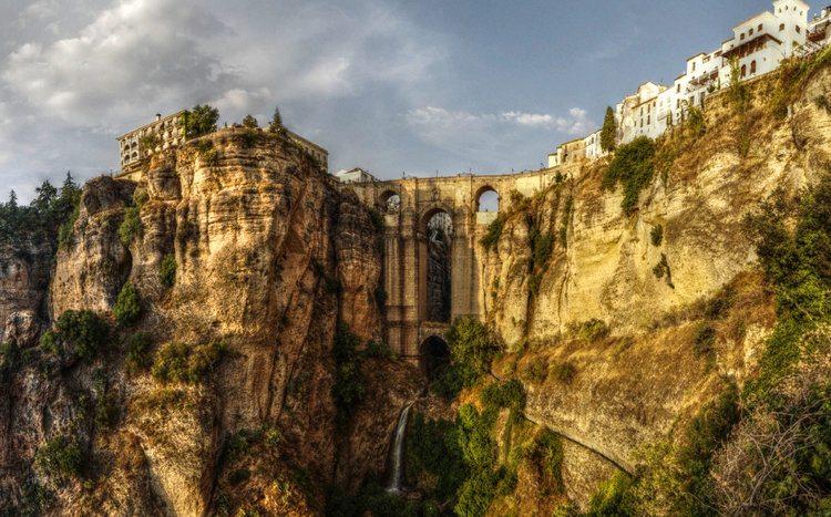 Puente Nuevo in dramatic Ronda, Andalucia
