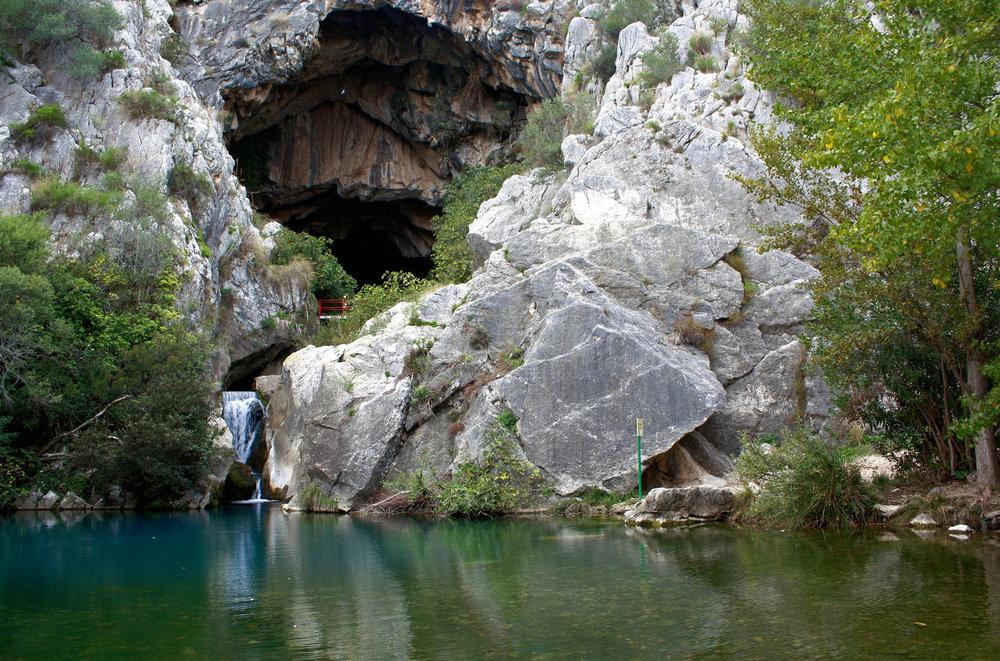 Cueva del Gato.jpg