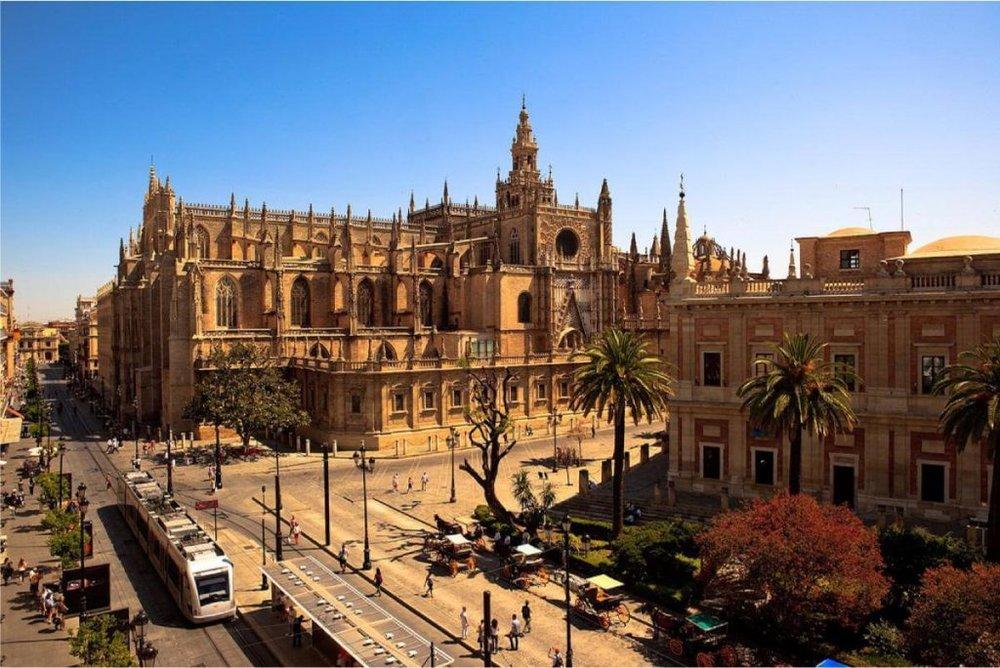 Cathedral_de_Seville2.jpg