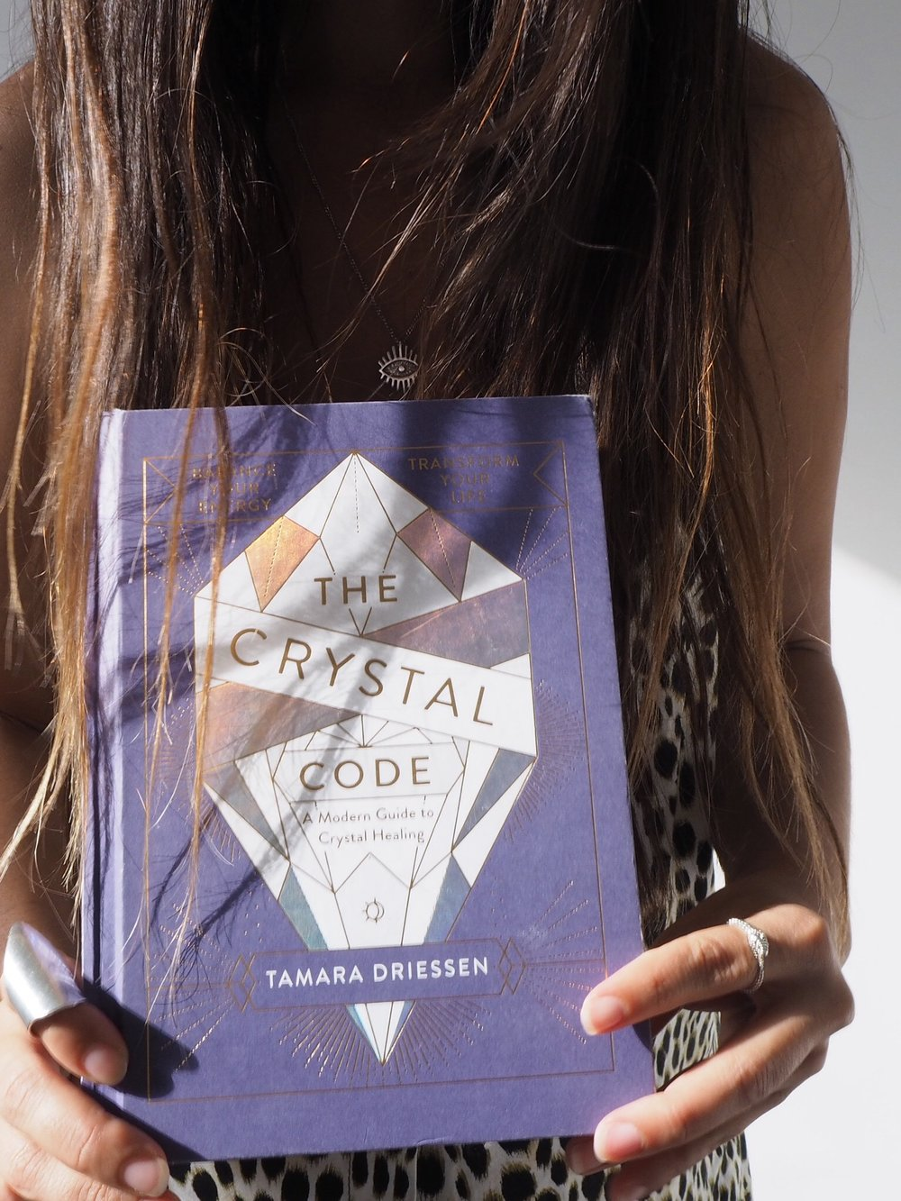 available to preorder now - A modern guide to crystal healing; including 70 unique beauties that want to rock your world. Dust off your crystals and transform your life with a little help from The Crystal Code.Release date: 25th October, 2018.