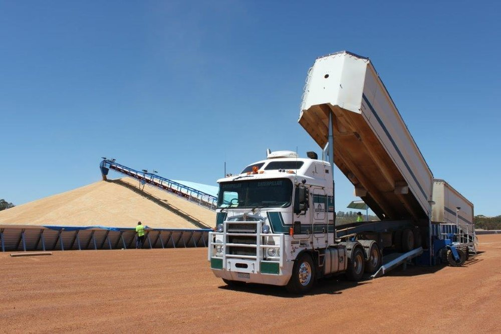 Drive Over Hopper in operation – B-double trailer