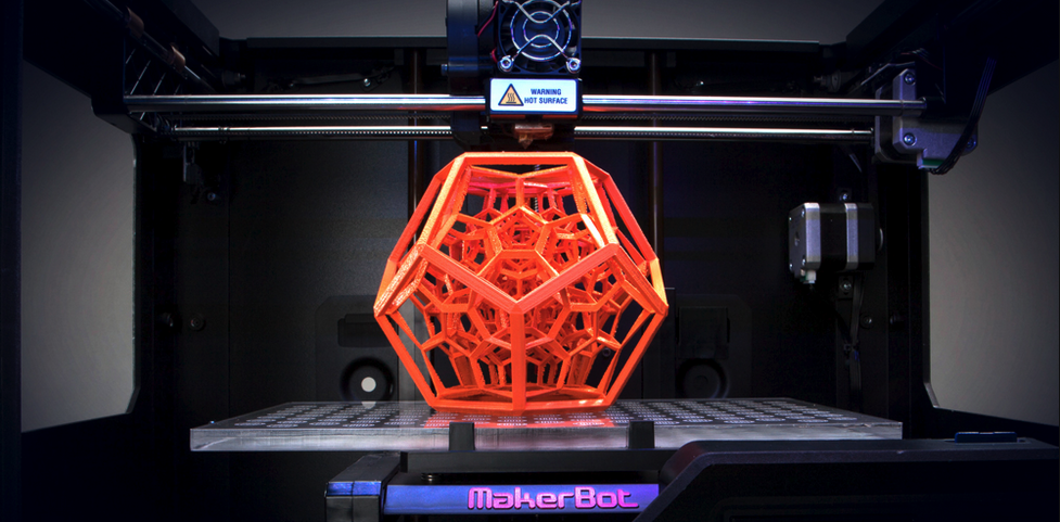 MakerBot som printer en dodecahedron med endoskjelett.
