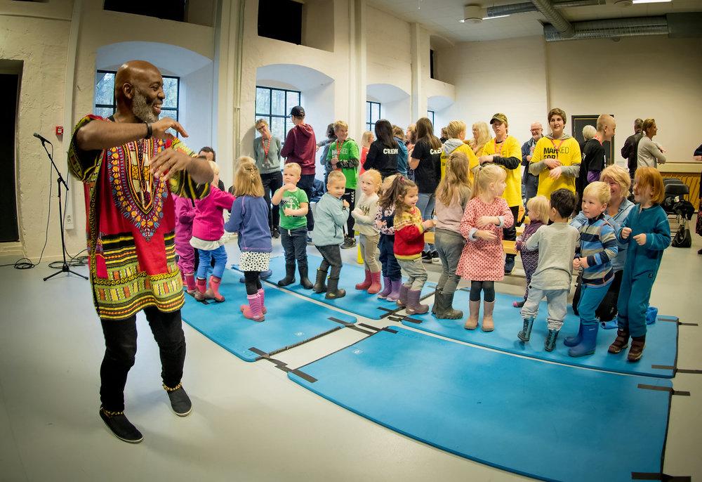 Sah (Kouame Sereba) — musikk/barnehage