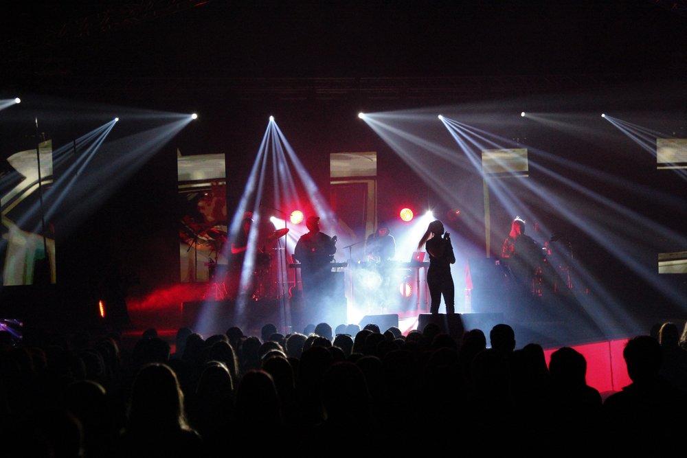 Mange unge så vel som veletablerte band har fått stå på scenen under filmfestgallaen.