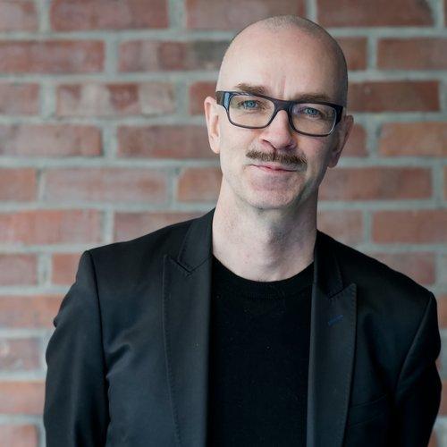 Ståle Stenslie  Avdelingsdirektør stahl @ kulturtanken.no Tlf. 905 62 963 .