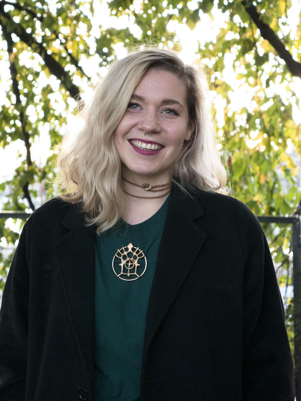 - Alice Marie Jektevik (29), fra Jektevik i Sør-Troms. Produsent for Riddu Riđđu. Foto: Raisa Porsanger