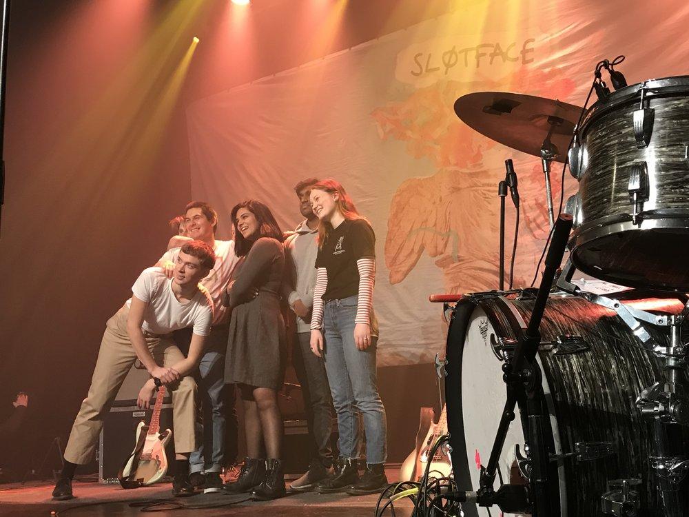 Bandbilde med eller uten Sløtface er populært etter konsertene.