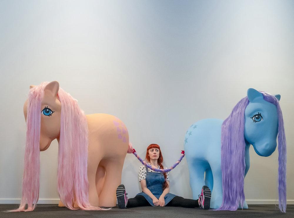 """Kulturtanken leier kunstner Anja Carr sin installasjon """"Peachy Blue"""" (2016) til utstilling i våre lokaler i ett år."""