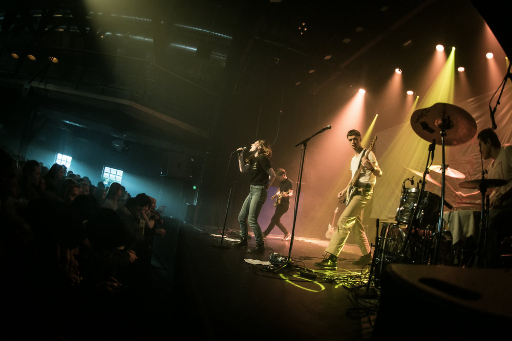 Sløtface erobret Budkserud med sin punkrock på DKS-turné for videregående skoleelever i november.
