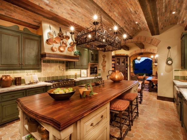 ... DP_Thomas Oppelt Italian Style Kitchen_s4x3.rend.hgtvcom.