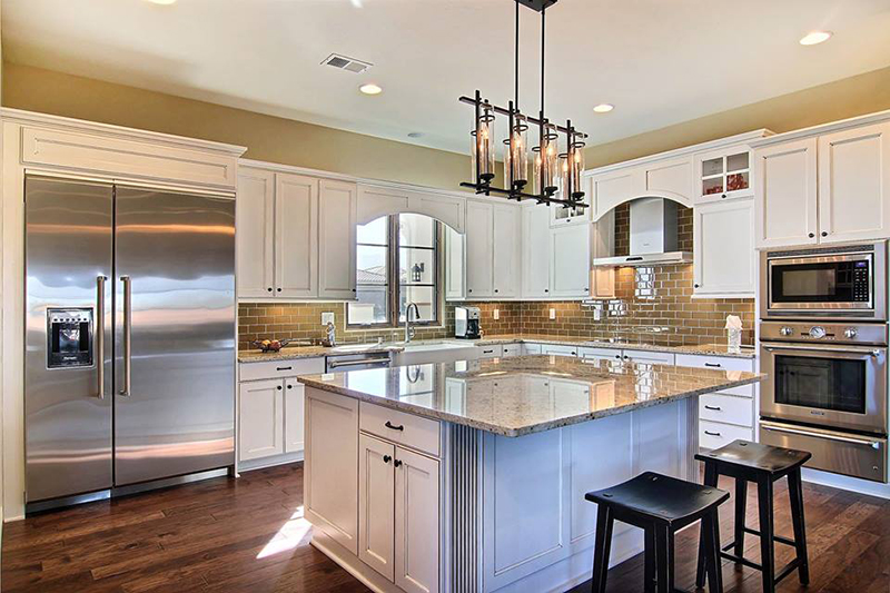 The Factory Outlet Remodel Store::Kitchen Cabinets