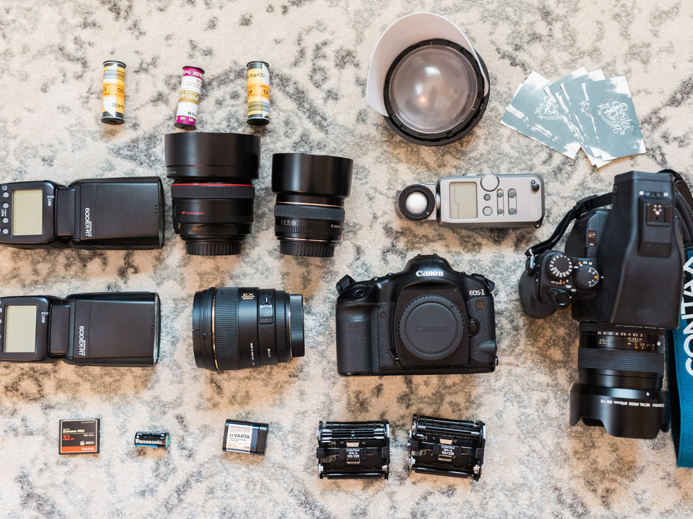 What's In My Bag | Britni Dean Photography | Texas Film Wedding Photographer | Photography Gear