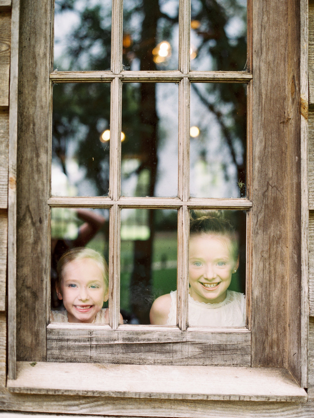 Hill Country Spring Wedding at Red Bud Hall | Austin Wedding Photographer | Film Wedding Photographer | Britni Dean Photography | Rainy Day Wedding Inspiration | cute flower girls