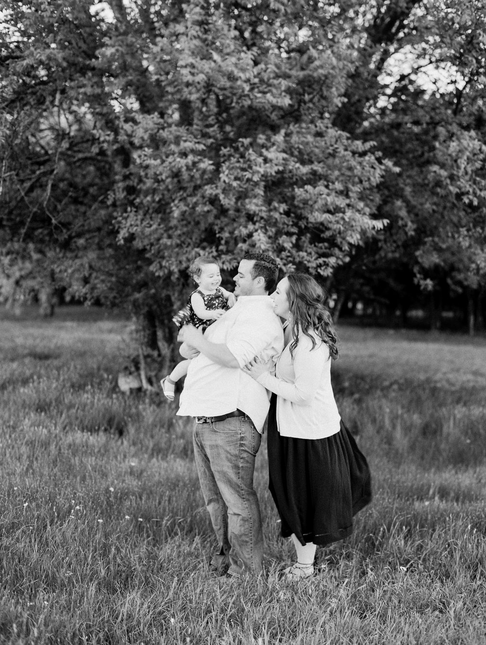Spring Family Session on Film | What To Wear To Your Family Session | Dallas / Ft. Worth Family Photography | Britni Dean Photography | britnidean.com