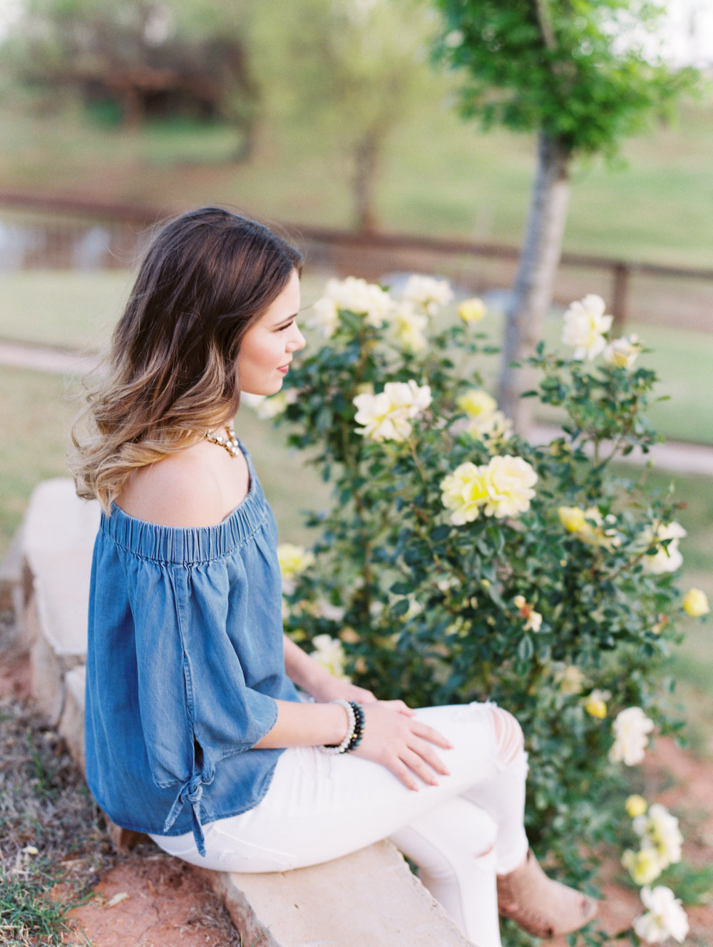 Mallory, Class of 2017 | Gorgeous Senior Session, Stylish Senior Photos | Texas Senior Photographer, Ideas For Senior Girl Session | britnidean.com