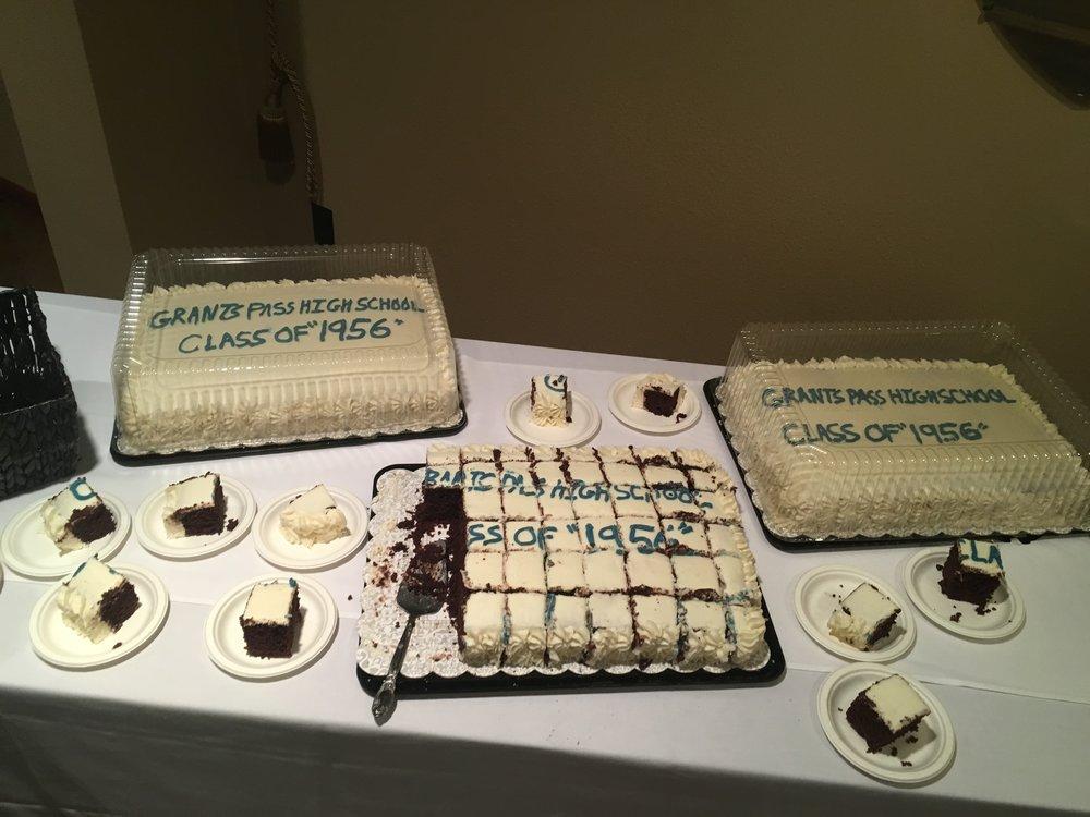 We do cakes!!