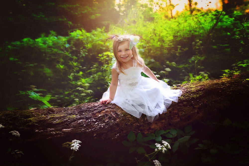 Kellie is an amazing photographerand so great to work with!Every photo from my daughter's session was perfect! -