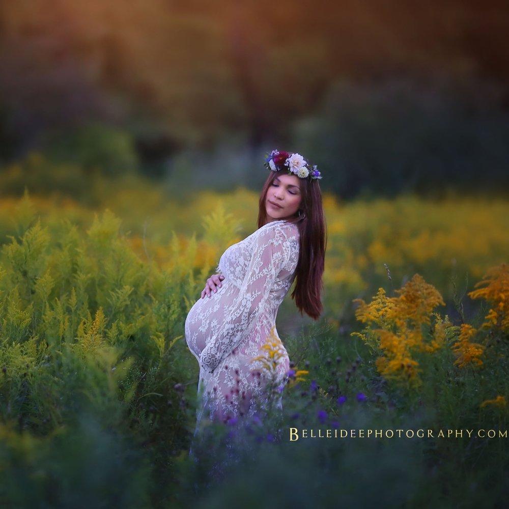 best-maternity-photographer-in- buffalo-ny.jpg