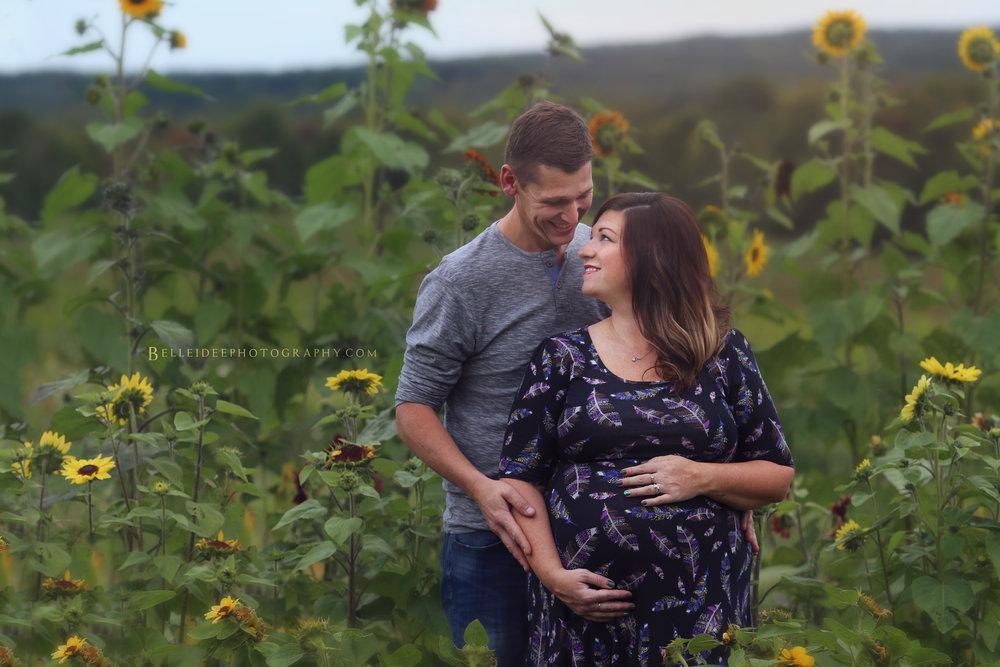 Jamestown Maternity Photographer