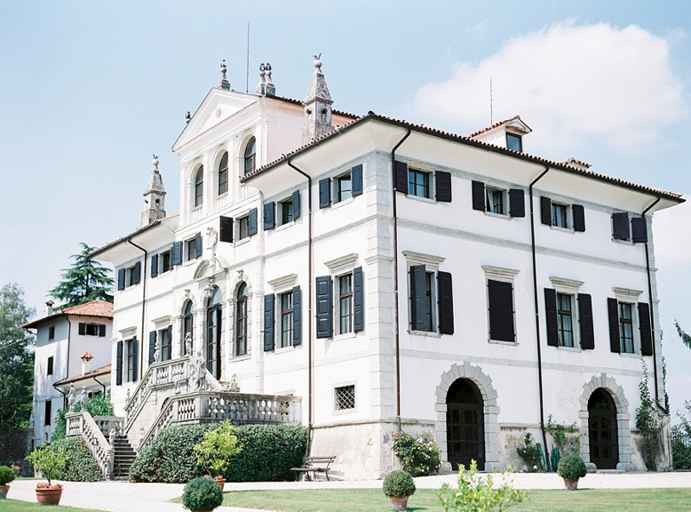 Italy_Villa_Wedding_peachesandmint_0001.jpg