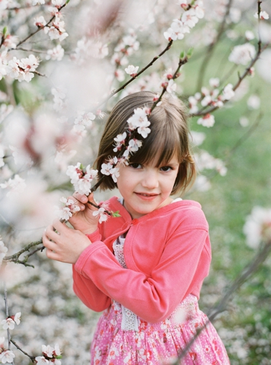Apricot_Blossoms_Family_Shoot_0009.jpg