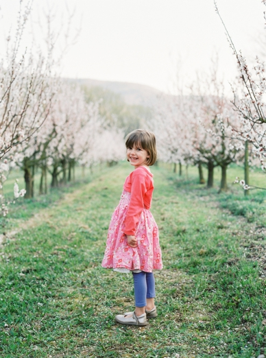 Apricot_Blossoms_Family_Shoot_0008.jpg