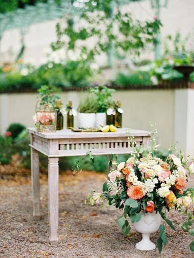 Mediterrean_Wedding_Inspiration_peachesandmint_0010.jpg