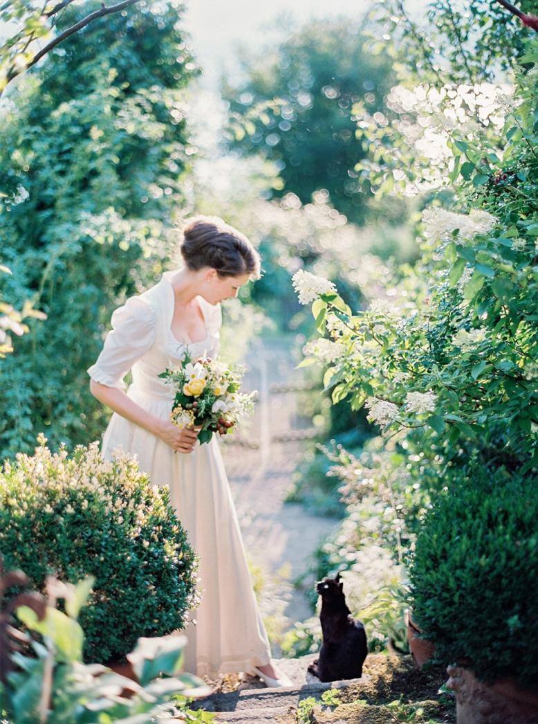 Outdoor_Wedding_Inspiration_Photography_peachesandmint_0004.jpg