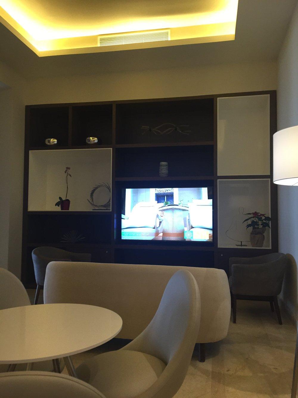 Diamond Club Lounge3.jpg