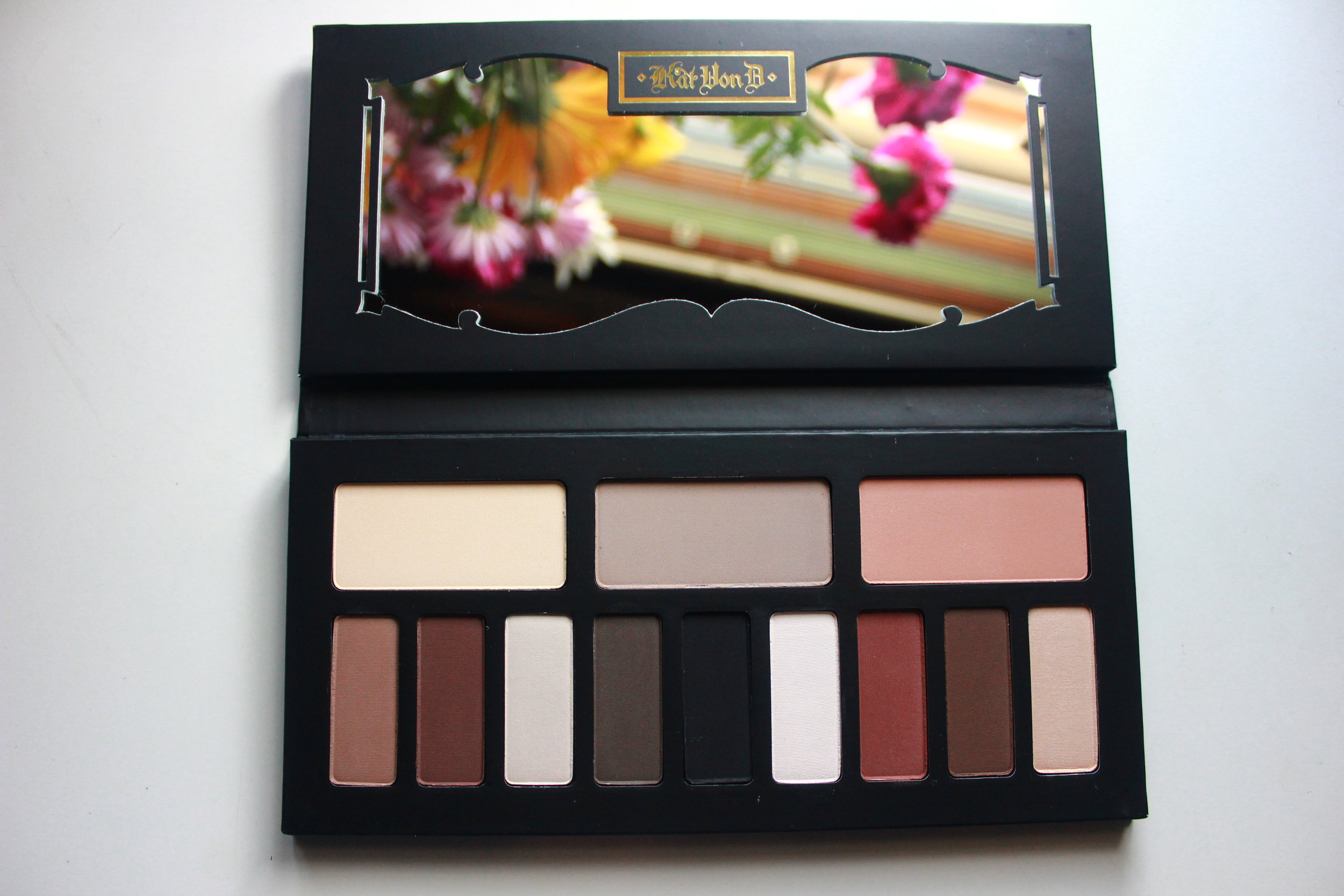 kat von d shade & light eye palette 1