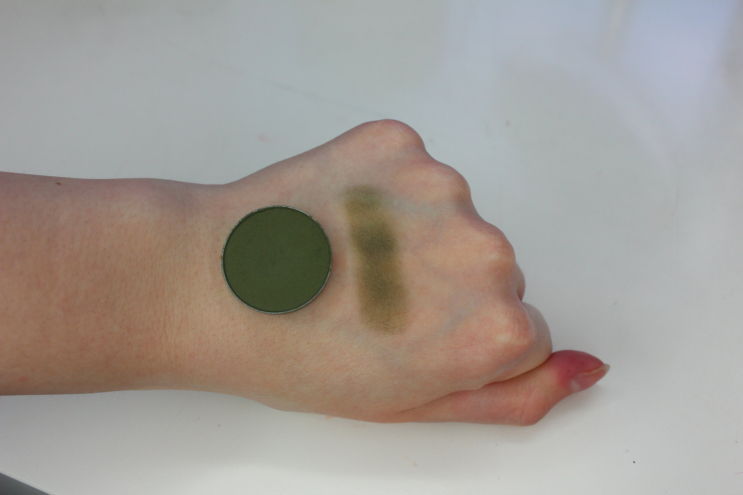 MUG Dirty Martini Swatch 2