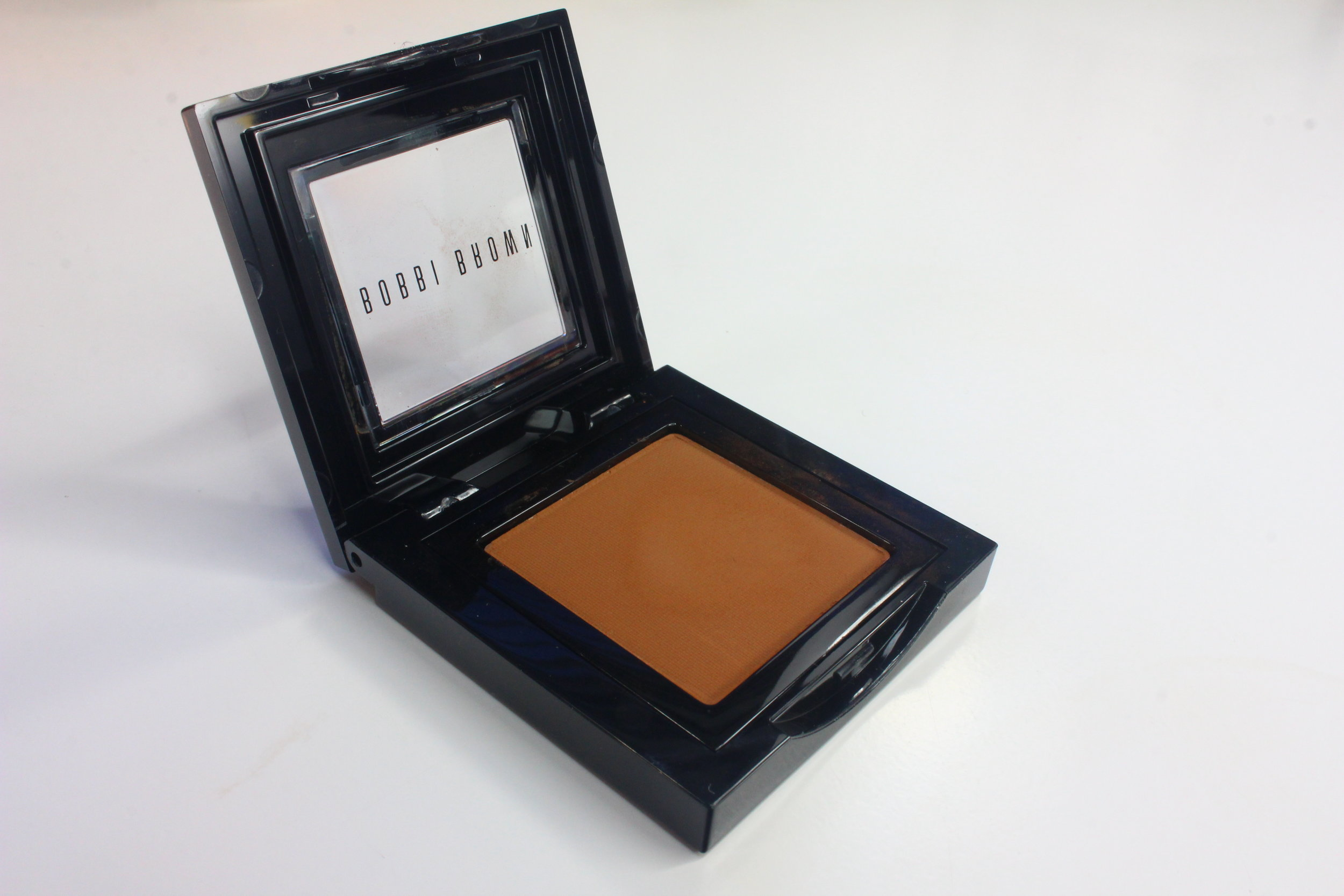 Bobbi Brown Eyeshadow Camel review