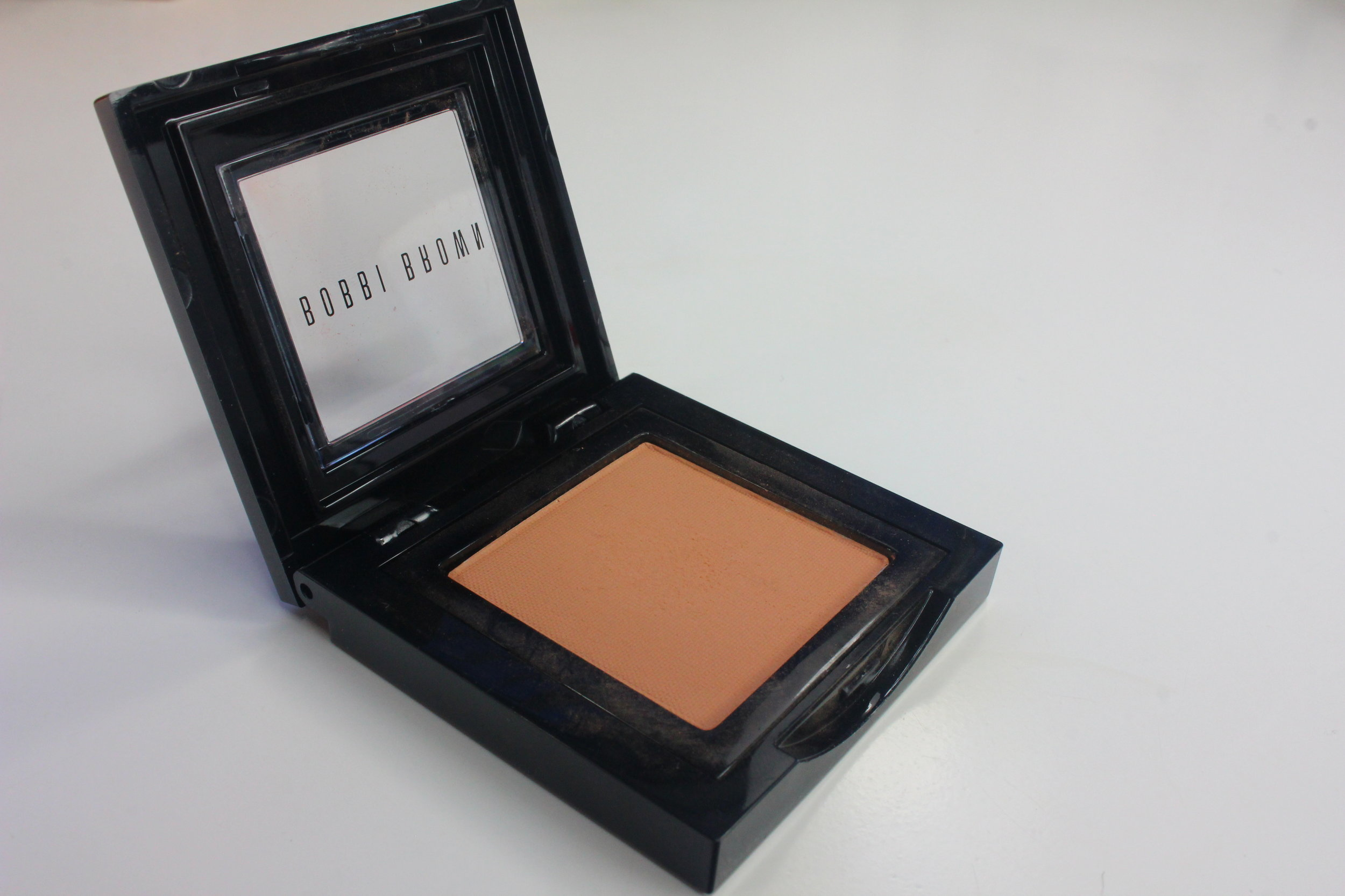 Bobbi Brown Toast eyeshadow review