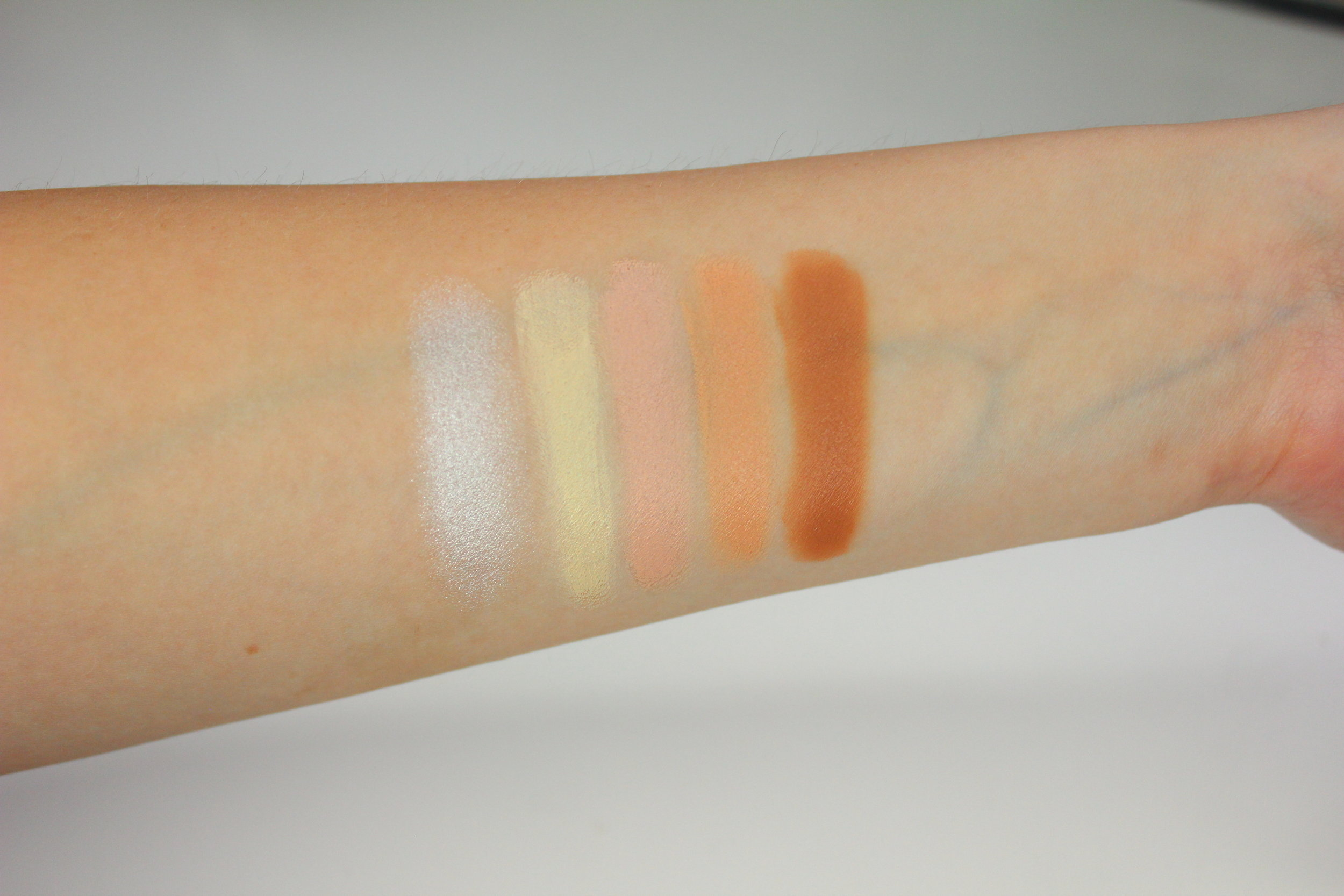 Sedona Lace Concealer Swatches 1