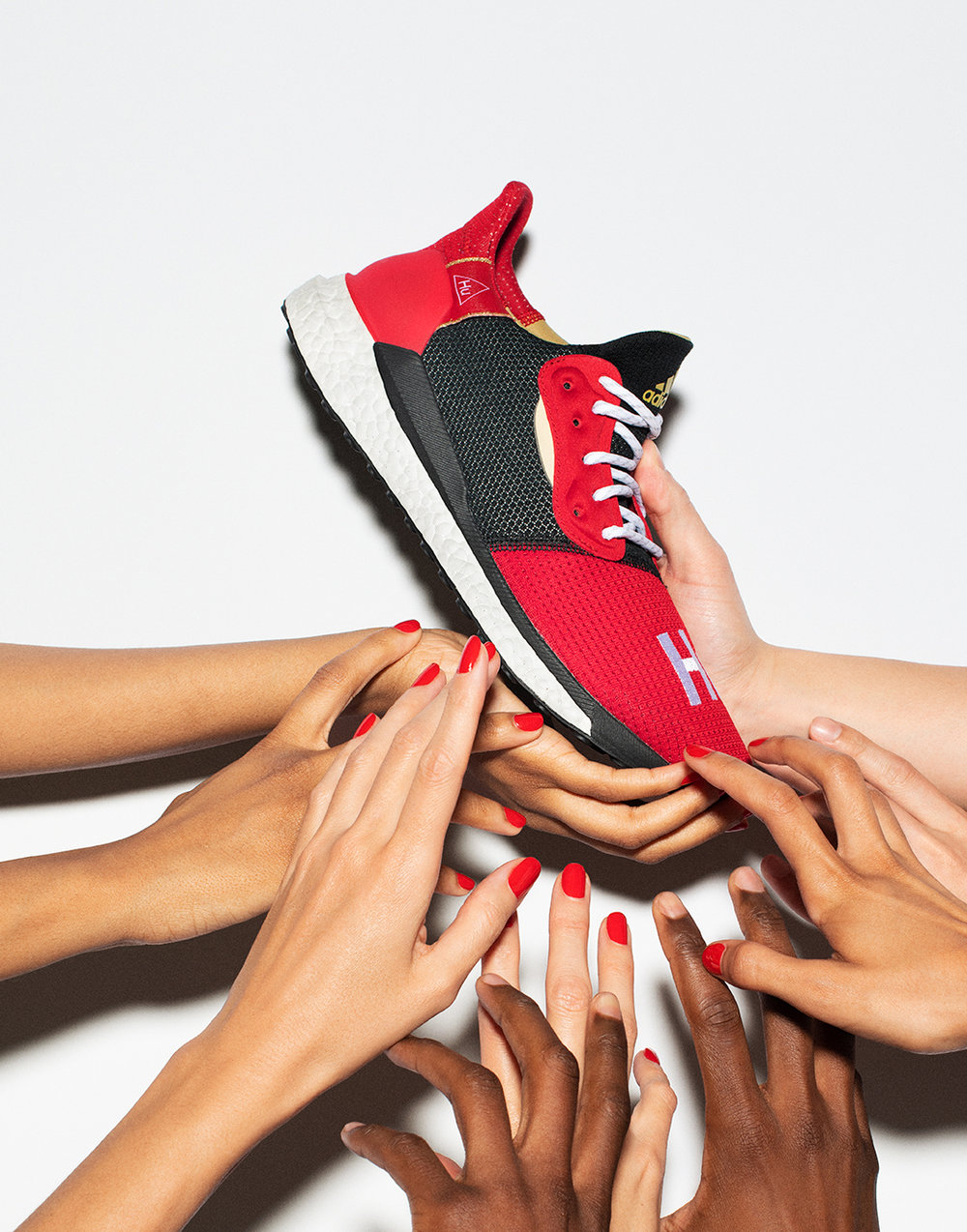 crop_03_ADIDAS PHARRELL DIGITAL CAMPAIGN_GRC_19003_ADIDAS_PW_SHOT_06_063_v3_ext_QC.jpg
