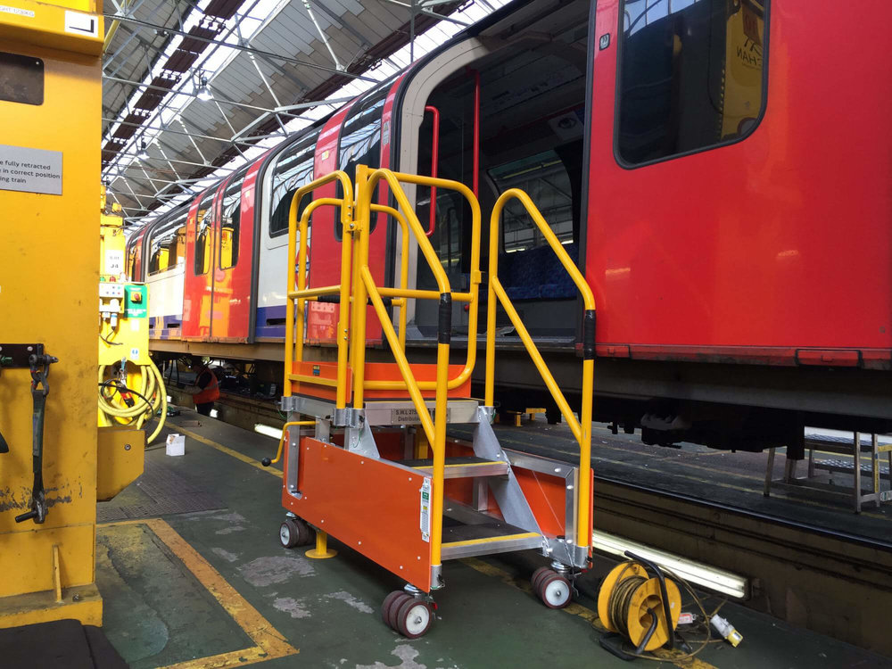 80. Train Aluminium Door Access