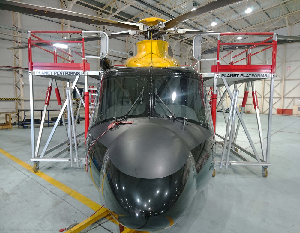 88. AW139 Side Stands Front
