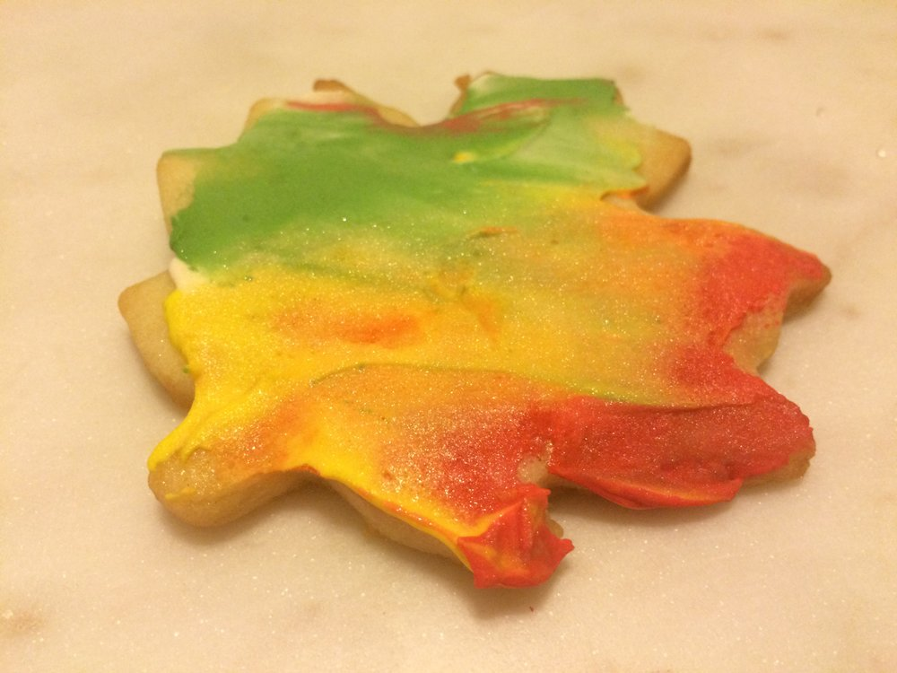 Autumn Leaf Sugar Cookie Royal Icing Decorating Tutorial