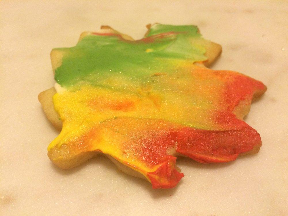 Autumn Leaf Sugar Cookie Royal Icing Decorating Tutorial