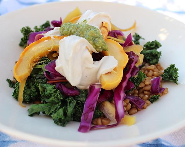 I've been v into veggie (or buddha) bowls lately - it's an assembly of a bunch of vegetables, then topped with the best sauces and a protein of choice.  Last nights bowl was: • wheat berries • sautéed kale • salt rubbed red cabbage and carrots • delicata squash • sautéed mushrooms • spring onions • garlic cashew cream • pesto • coconut crusted chicken The best thing about this meal - grab all of the veggies that are in season, and cook them up. For me, it's all about the sauces. Cashew cream is one of my favorite toppers and so easy to whip together.  My fave combos comin' atcha on the website today! #iamwellandgood #buddhabowl #veggiebowl #cleaneats #feedfeed #mindbodygram #huffposttaste #todayfood #thatsdarling #cleanfoodshare #healthyfoodlover #foodblogger #buzzfeedfood #vegetables #vegan #igkc