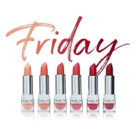 Yay it's Friday! 😍 And here is a wonderful selection of our matte lipsticks for the weekend 💄 . . . #lipstick #mattelipstick #mineralmakeup #crueltyfree #beauty #cosmetic #makeup