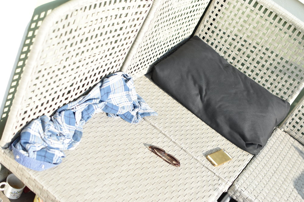 En soffa, en kudde, en kaffe och 20+ grader. Oh-la-la!