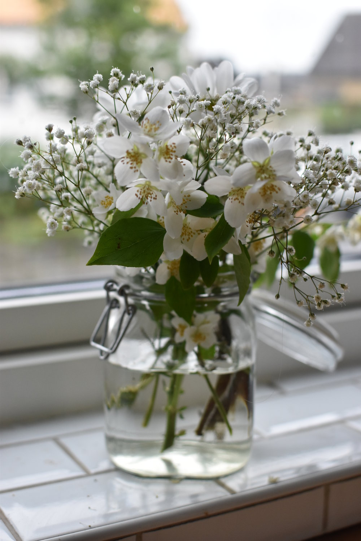 Fredagsbukett med leftover blomster från midsommar.