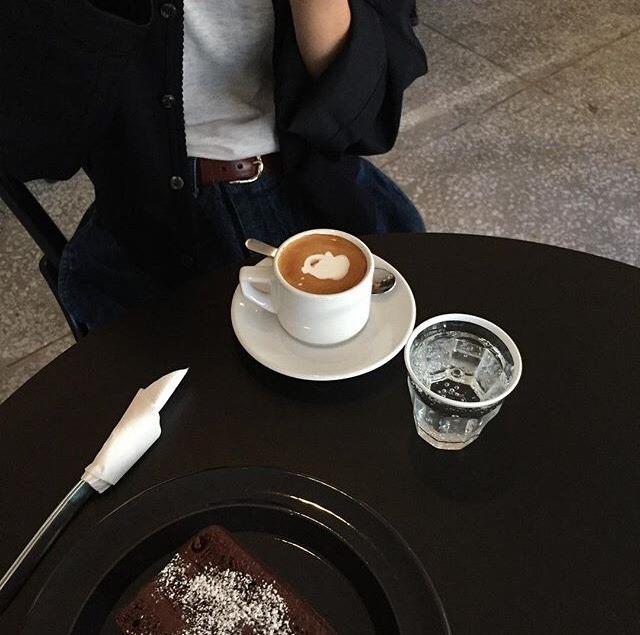 sputniksea :    https://instagram.com/p/BVMuiFvhzd9/