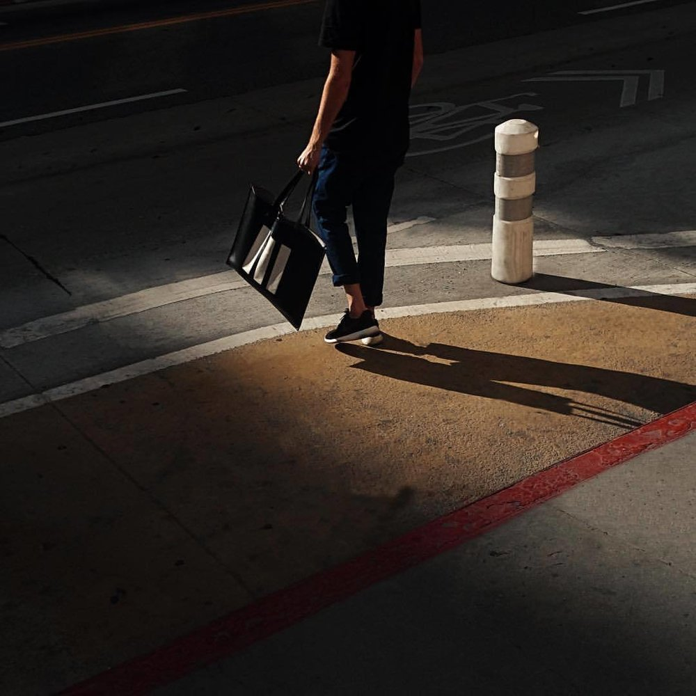 joelbear: On the corner of 9th and Broadway, coffee in hand cruising the shadows. #motifno3 #ThreeBarTote (at Los Angeles, California)