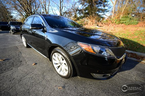 Lincoln MKS Limousine Front Outdoor