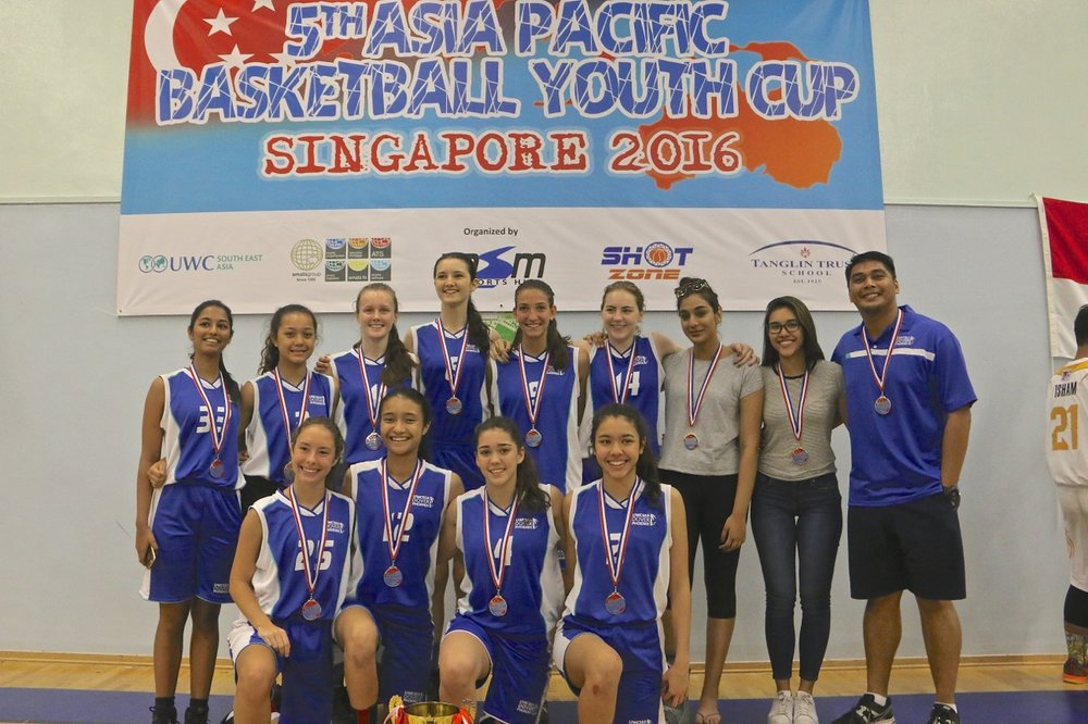 U18 Girls Champions - UWC Dover Singapore