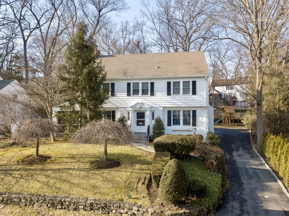 SOLD  207 Brewster Road Scarsdale, NY. Represented the Seller as the Listing Agent  (2018)